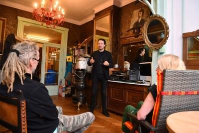 """Vitalski brengt voorstelling 'Beuling met appelmoes' in huiskamer: """"In Antwerpse livings wil ik alvast een beetje knallen"""""""