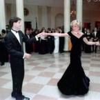 Iconische jurk van prinses Diana raakt niet verkocht