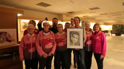Galerij Artisjok veilt opnieuw kunstwerken, opbrengst gaat naar de Pink Ribonettes
