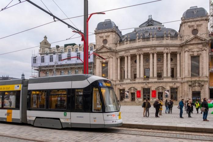 """'Boulevardtram' is terug: """"Een historische dag voor Antwerpen"""""""
