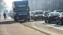 """Het wil maar niet lukken met het verkeer in Sint-Job: """"De verkeersdrukte werd mijn man fataal"""""""