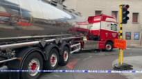 Fietser zwaargewond na aanrijding door vrachtwagen