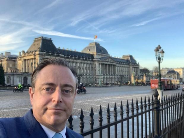 """Bart De Wever (N-VA) over aanstelling Coens (CD&V) en Bouchez (MR): """"Paars-groene piste hopelijk van de baan"""""""