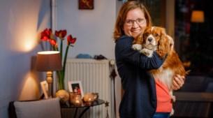 Niemand geeft Helena (28) een job, dus begint ze bedrijfje in veganistische hondenkoekjes