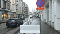 Stad plaatst betonblokken in Nationalestraat om shoppen aangenamer te maken