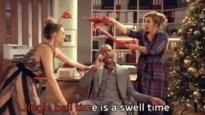 Thuis-acteurs schitteren in eigen kerstclip... en breken bijna het decor af