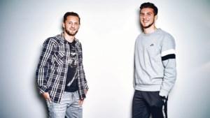 """Boezemvrienden Jordi Vanlerberghe (KV Mechelen) en Mats Rits (Club Brugge): """"We vroegen zelfs onze vriendinnen op dezelfde dag ten huwelijk"""""""