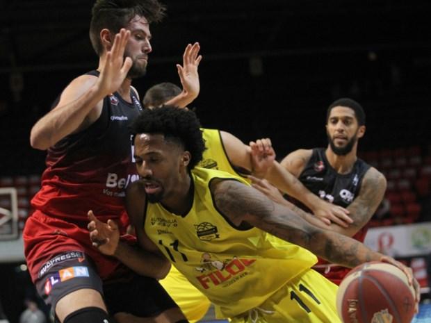 Charleroi knikkert Oostende uit Beker van België basketbal, ook Limburg United naar halve finales