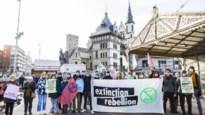 Extinction rebellion voert stilte-actie bij cruiseterminal