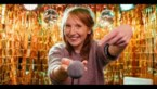 Linde Merckpoel opent eigen Karaoke Club tijdens De Warmste Week