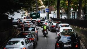 DISCUSSIE. Rotterdam schaft lage-emissiezone af, Antwerpen verstrengt ze: heb jij je gedrag aangepast?