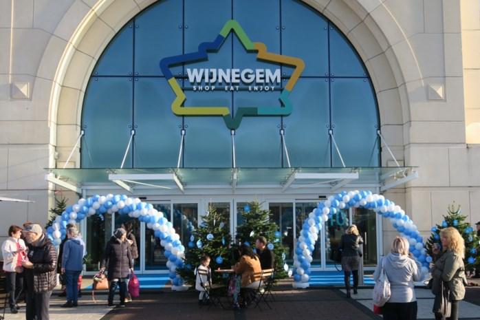 Nieuwe Albert Heijn heeft als enige winkel in shoppingcenter aparte parking