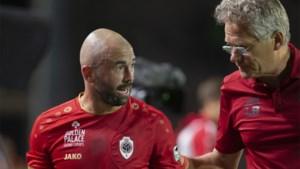 """Antwerp zonder Mbokani en allicht ook Defour naar STVV: """"Ik zal al blij zijn als Steven zonder ongemakken op stage kan"""""""