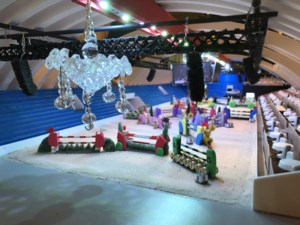 Kempenaar mag zelfgemaakt schaalmodel van Kerstjumping in Nekkerhal tentoonstellen