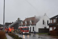 Tweewoonst beschadigd door dakbrand