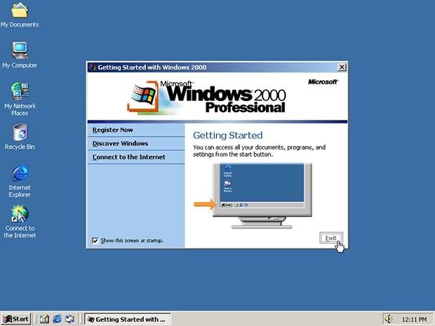 Het HierNuMaals (2000-2020). Windows 2000 en The Sims kwamen uit en sms'en was modern