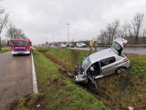 Twee gewonden bij zwaar ongeval op E34 nadat bestuurder in slaap was gevallen achter stuur