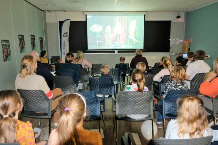 """Kinderen in AZ Klina bekijken toneelstuk via livestream: """"We gaan dit initiatief zeker blijven herhalen"""""""