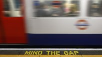 De hartverwarmende reden waarom '<I>mind the gap</I>' anders klinkt in één Londens metrostation