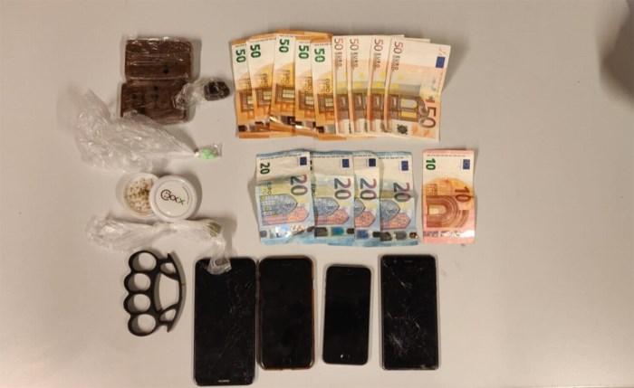 Nederlandse drugsdealers lopen tegen de lamp bij banale controle