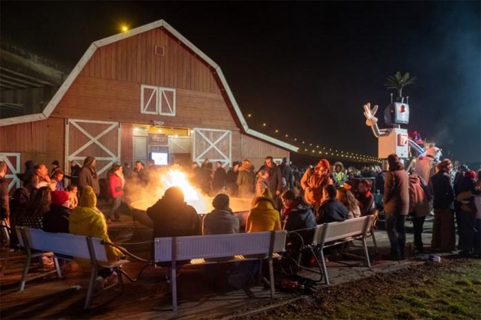 """Laatste Wintervuur van start op den Dam: """"Hier werd een dorpje neergezet waar iedereen welkom is"""""""
