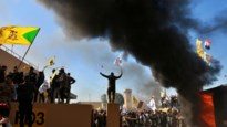 Irakezen bestormen Amerikaanse ambassade in Bagdad na dodelijke luchtaanvallen