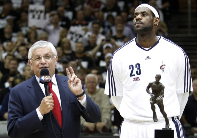 Basketwereld verliest David Stern (77), de kruidenierszoon die de NBA groot maakte