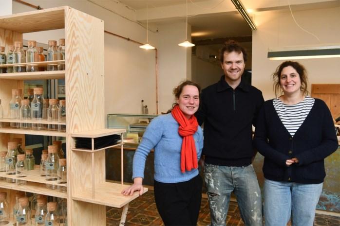 """Winkel met biologische en lokale producten opent op Cogelsplein: """"Bijdragen aan een eerlijk voedselsysteem"""""""