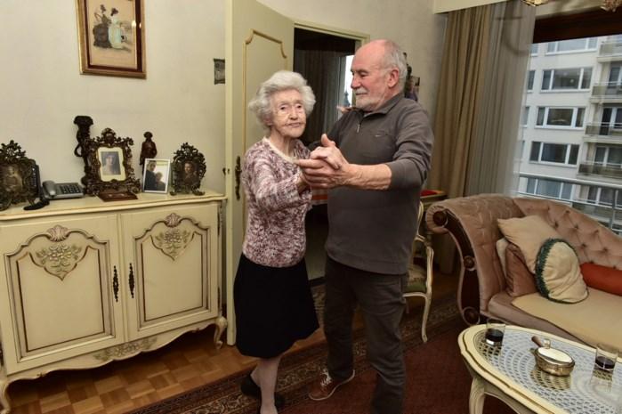 "Tinneke is oudste én fitste Maneblusser op 105-jarige leeftijd: ""Naar waar fietsen we vandaag ?"""