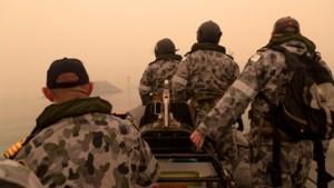 Leger evacueert Australische steden die getroffen zijn door bosbranden