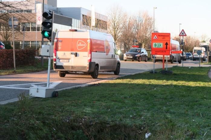 Brug Doornaardstraat blijkt gevreesde flessenhals: ellenlange files op Uilenbaan en Oelegemsteenweg