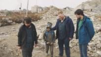 Wij keken naar 'Tussen oorlog en leven': je moet wel gaga zijn om met BV's naar oorlogsgebied te trekken