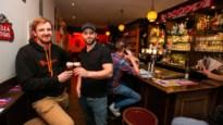 """Zoon van Bart Van den Bossche begint Bar Toeternitoe op Eilandje: """"Mijn vader zou hier zelf ook graag gezeten hebben"""""""