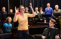 """Eva Vermeren (26) uit Beerse is """"de jongste passie-dirigente ooit"""" volgens Jef Neve"""