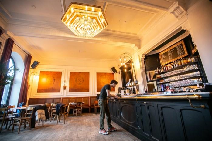 Café des Arts krijgt nieuw leven dankzij zaakvoerder van café Gitanes: openingsfeest met Discobaar A Moeder