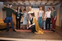 Een heldendaad, immense erfenis en veel gelach: toneelgroep 't Enneke speelt Spokencircus
