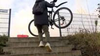 Werken passerelle: omleiding aangepast, maar toch blijven nog veel fietsers de trappen nemen