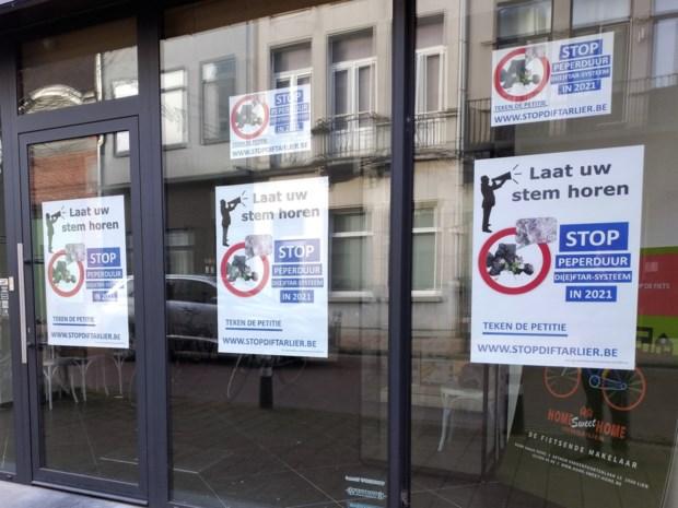 """Vlaams Belang Lier start petitie tegen afvalsysteem: """"Kijk naar goedkopere alternatieven"""""""
