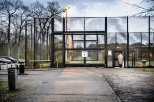Zo ontsnapte de gevangene in Wortel: gat in de muur en lakens over het hek