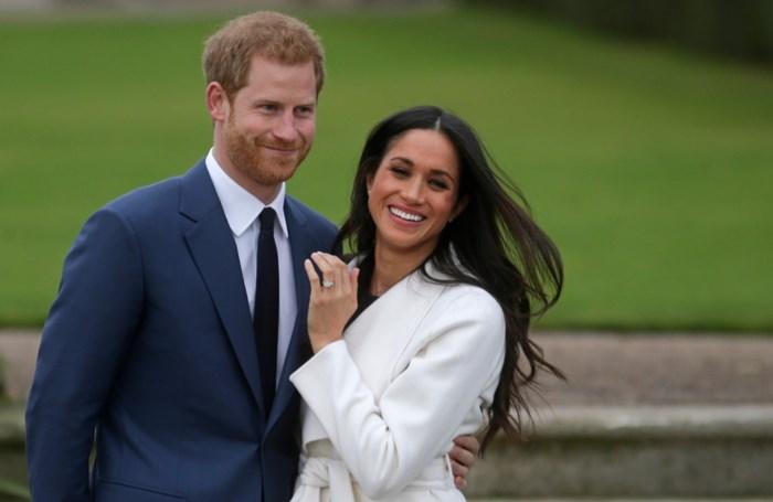 """Queen steunt beslissing Harry en Meghan na """"constructieve discussie"""""""