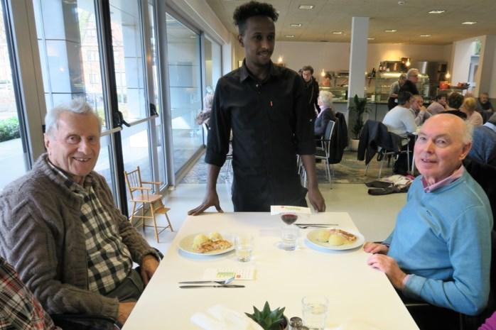 Sense tovert kille cafetaria's om tot warme buurtrestaurants: 'Drie sterren' sociale tewerkstelling