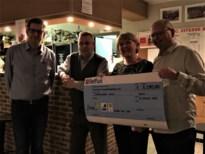Wandelaars halen 3.190 euro op voor Welzijnsschakel Boom