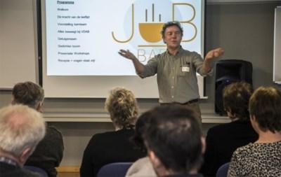Oudere werkzoekenden nemen zelf het roer in handen in de Turnhoutse Jobbar+