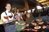 Worstenbroodmania in Malle: Café Trappisten bestormd