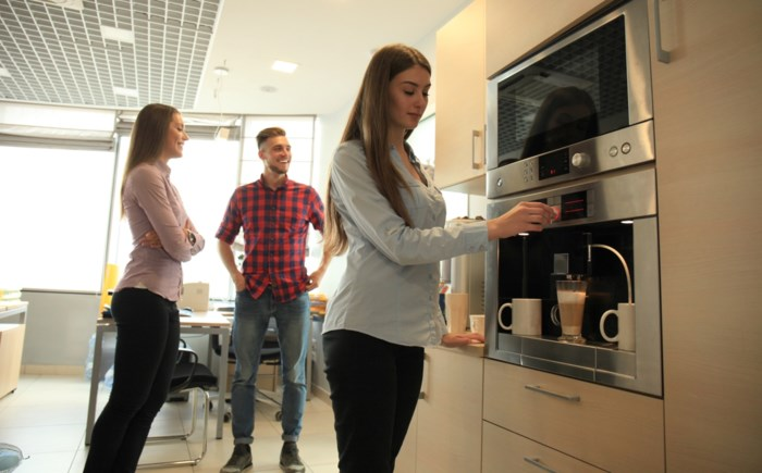 Kopje koffie zonder geklaag graag: '30 dagen zonder klagen' pleit voor meer positiviteit op werk