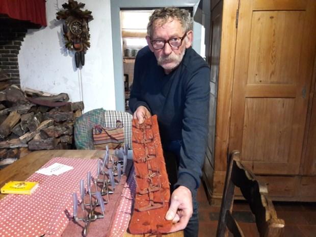 Schapenboer Theo maakt verbeterde (en wél toegelaten) versie van 'antiwolfhalsband'