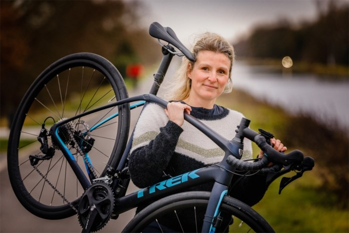 """Els (40) verloor beide ouders: """"Voor hen wil ik de 1.000 kilometer tegen Kanker rijden"""""""