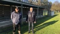 Dieven stelen veertig reclamepanelen rond voetbalveld FC Gierle