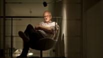 """Herman Koch (66) blikt terug op jeugd in nieuwe roman: """"Eenzaamheid was mijn beste gezelschap"""""""