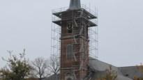 Weersomstandigheden bemoeilijken werken aan kerktoren Niel